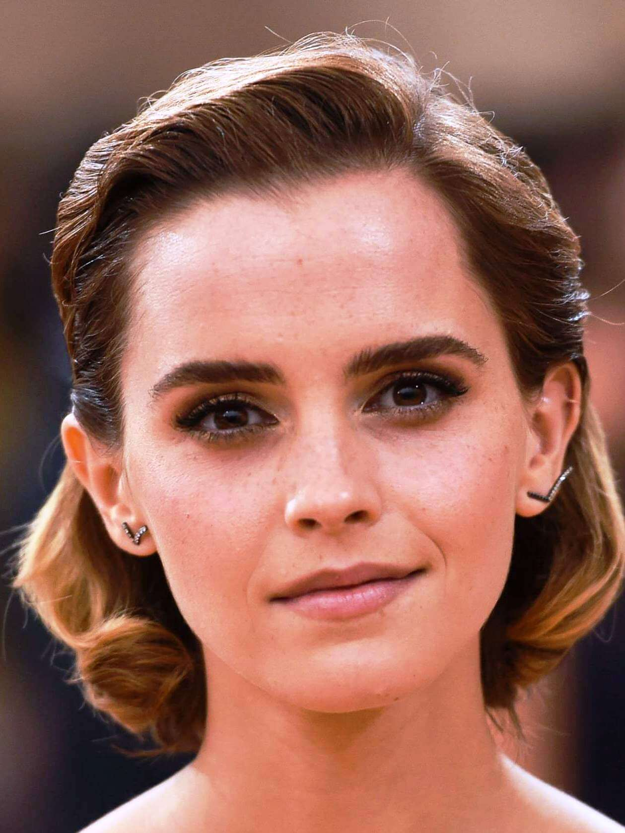Emma Watson Addresses Phone And Fan Mail